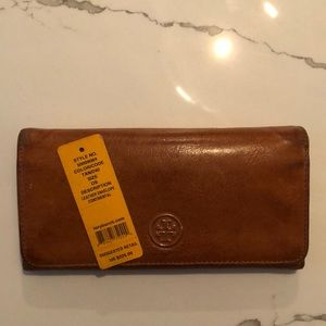Loved Tory Burch Tan Leather Wallet